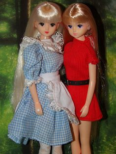 Takara Jenny Friend Dolls, Licca Castle Flora and LE JENNY FRIEND DOLL F26 , 1983, AGE 17, FLORA (From France) by sylvia1sam, via Flickr