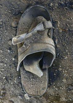 Oman shoe no.9 ( The fotgotten footsteps of Oman )