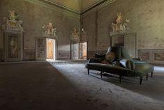 abandoned Italian buildings
