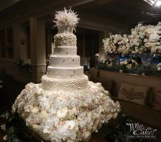 What Makes Native American Wedding Cake Toppers So Addictive That You Never Want To Miss One? - What Makes Native American Wedding Cake Toppers So Addictive That You Never Want To Miss One? Extravagant Wedding Cakes, Big Wedding Cakes, Floral Wedding Cakes, Wedding Cake Decorations, Elegant Wedding Cakes, Beautiful Wedding Cakes, Wedding Cake Designs, Wedding Cake Toppers, Wedding Favors