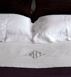 MarinaC - KATE - #monogrammed linen bedsheet - shop.marinac.it #marinacmilano ph. @cristinagalliena.it