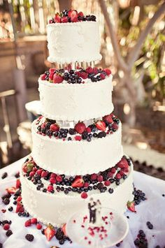 wedding cake whipped cream - fresh fruit, no color