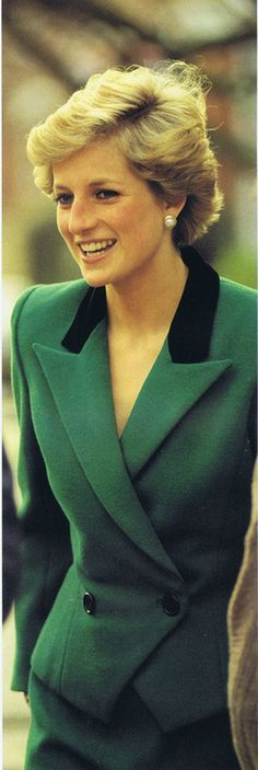 1990 01 11 Diana at the Thomas Coram Foundation's Homeless Children's Project in Camden
