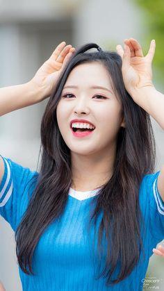 "CrescentEyes on Twitter: ""180826 인기가요 미니팬미팅 #이달의소녀 #하슬 #비비 #고원 #올리비아혜 #LOONA #HaSeul #ViVi #GoWon #OliviaHye… "" K Pop, South Korean Girls, Korean Girl Groups, Eye Circles, Olivia Hye, I Love Girls, Sooyoung, K Idols, Pop Group"