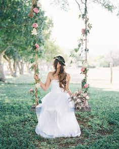 Romantic Hawaiian Wedding at Puakea Ranch: Alexis + Ben - Green Wedding Shoes Romantic Wedding Receptions, Wedding Reception Decorations, Romantic Weddings, Wedding Venues, Wedding Trends, Wedding Styles, Wedding Photos, Wedding Ideas, Wedding Planning