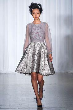 Our top 10 favorite looks from the Zac Posen spring/summer 2014 show at New York Fashion Week. Ny Fashion Week, New York Fashion, Fashion Show, Fashion Design, Fashion Weeks, High Fashion, Women's Fashion, Zac Posen, Carolina Herrera