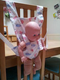 5d7f208146bd Patron porte-bébé pour poupon (free) Jouets En Tissu, Accessoire Poupee,