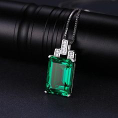 Elegant Green Silver Pendant Necklace. Over 75% OFF + FREE SHIPPING! #Necklace #FreeShipping #DazzlingSeaJewelry