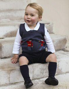 En attendant d'avoir un petit frère ou une petite sœur, le prince George est la star de la famille. http://www.elle.fr/People/La-vie-des-people/News/Pour-Noel-le-prince-George-nous-offre-de-nouvelles-photos-officielles-2869514