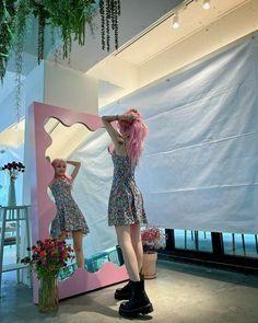 Kpop Girl Groups, Korean Girl Groups, Kpop Girls, Extended Play, Kpop Outfits, Skirt Outfits, Edm, Foto Editing, Hip Hop