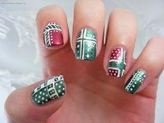 Art Evolve: Sinterklaas and Present Manicure - Christmas Nail Art