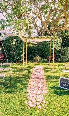 Love Birds Wedding, Countryside Wedding, Sunshine Coast, Floral Designs, Wedding Styles, Real Weddings, Wedding Planner, Brides, Wedding Photography