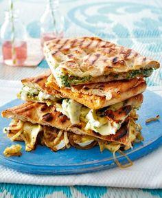 http://www.lecker.de/rezept/3305094/Gegrillte-Pide-Sandwiches.html