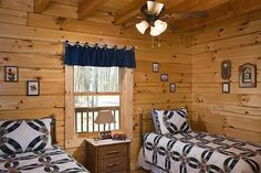 Photos of a modified Oakbrook plan D Log home designed & milled by Honest Abe Log Homes; family owned/operated since nationwide sales & delivery. Log Home Bedroom, Bedroom Decor, Cabin Bedrooms, Log Cabin Floor Plans, Cabin Plans, Cabin Homes, Log Homes, Home Garden Design, House Design