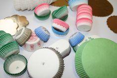 Colori disponibili: marrone, rosa, verde, blu, bianco, rosso, azzurro, bordeaux, viola prugna, carta caffè, carta rosa