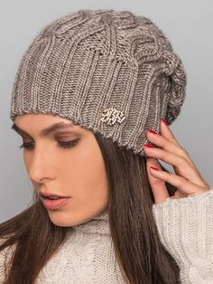Модная вязаная шапка 2016 – фото новинки