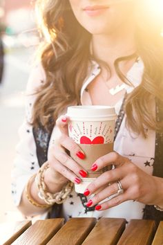 it's time 4 red hoilday nails and yummy warm drinks! =)