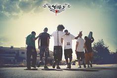 Micrófonos Enfermos, grupo de Hip Hop alicantino, ya tiene su nuevo disco preparado para que vea la luz. Un álbum en el que celebran los 10 años de existencia ofreciendo un rap que sale del alma, un rap maduro como reflejo de toda su trayectoria. Gran Reserva 2003 - 2013