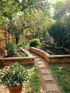 Backyard Garden Inspiration Small Garden Landscape Design On A Budget 41 Garden Cottage, Diy Garden, Dream Garden, Garden Paths, Garden Projects, Brick Garden, Brick Projects, Pea Gravel Garden, Spring Garden