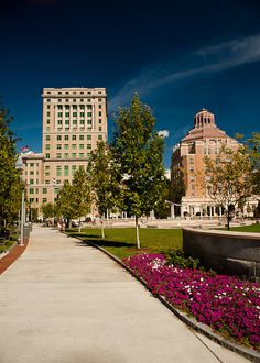 View of a portion of Pack Square Park in downtown Asheville, NC . where many events are held throughout the year! (Buncombe Courthouse is the bldg. on the left and Asheville City Hall is the bldg. Asheville North Carolina, Western North Carolina, North Carolina Homes, Asheville Nc, Blue Ridge Mountains, Nc Mountains, Biltmore Estate, Paradise On Earth, Banks