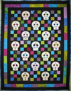 Awesome Day of the Dead skull quilt.
