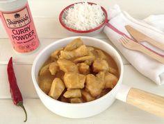 En la receta, del blog HOY COMEMOS SANO, el pollo aderezado con la salsa de curry se acompaña de arroz basmati.