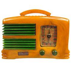Rare Symphony Butterscotch & Green Catalin Bakelite Split Grill Radio