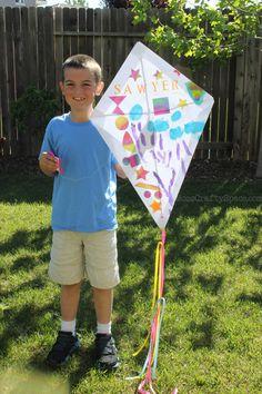 Kids Craft: DIY Paper Kite - Happiness is Homemade