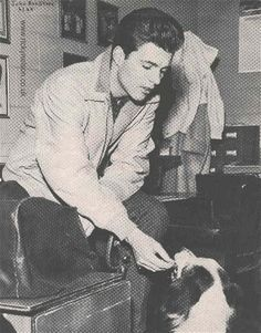 Ricky Nelson with his dog (of puppy) Ricky Nelson, James Darren, Frankie Avalon, Scott Baio, Teddy Boys, Vintage Boys, Country Singers, American Singers, Old Hollywood