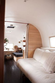 Inpiration Airstream Living Remodel And Renovation (23)