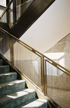 Philip Johnson: The Four Seasons Restaurant, Seagram Building, New York Staircase Railing Design, Staircase Handrail, Interior Staircase, Spiral Staircases, Metal Stairs, Modern Stairs, Painted Stairs, Accor Hotel, Seasons Restaurant