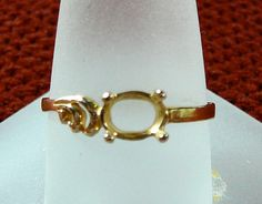 Ring 10K Yellow Gold Solitaire Prong by SylCameoJewelsStore