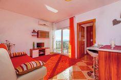 Leuk appartement in de regio Kvarner te Kroatie. Deze vakantiewoning in Dramalj biedt onderdak aan twee personen.