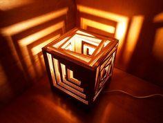 Góc cho con trai: Đèn hình hộp từ bìa các-tông 16