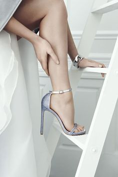 Blue bridal shoes with sparkles