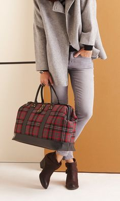 Oversized doctor-inspired carryall bag