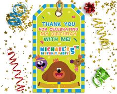 Make it special for your little one and leave a lasting impression on the invitees with this Hey Duggee theme party invitation. Party Invitations, Party Favors, Daisy Party, 2nd Birthday Parties, Birthday Ideas, Thank You Tags, Birthday Decorations, First Birthdays, Party Supplies