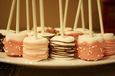 assorted chocolate #marshmallowpops Chocolate Marshmallows, Marshmallow Pops, Party Ideas, Cake, Desserts, Food, Tailgate Desserts, Deserts, Food Cakes