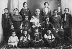 Palestine - dennoch auch hier: Teppich! Bethlehem-بيت لحم: BETHLEHEM - Saade Family, circa 1910