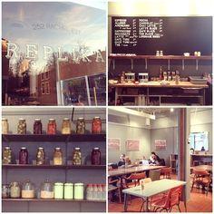 Café Replika: 252, rue Rachel Est (coin Laval)