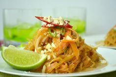 West Hollywood juice cleanse wants you to try this delicious Kelp Noddle Pad Thai at home!