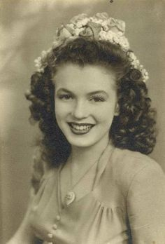 Marilyn Monroe - before the nose job and hair dye.