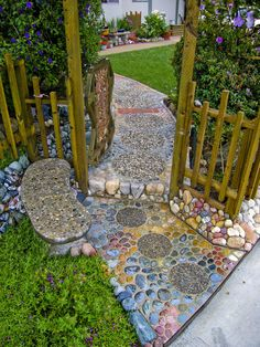 Entry walk in 2005 — by Lance & Cromwell (home safe-pictures coming), v… – Garden Paths Garden Yard Ideas, Garden Paths, Verge, Mosaic Garden, Mosaic Walkway, Pebble Mosaic, Stone Mosaic, Dream Garden, Garden Cottage