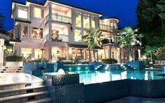 Le Palais Royal Mansion Home Luxury Homes Dream Houses, Dream House Interior, Dream Homes, Villas, Walk In, Mansions Homes, Luxury Mansions, Luxury Hotels, Luxury Cars