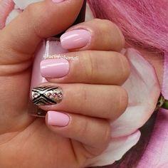 Instagram media by lucinhabarteli  #nails #nailart #naildesigns