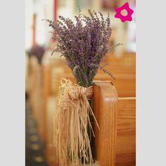 Ideias com lavanda para o seu casamento. #casamento #flores #igreja