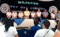 """Honduras: Mujeres nacionalistas fortalecerán planillas La cita fue promovida por la dirigencia departamental de El Paraíso y reunió a las principales lideresas de la zona en la """"Ciudad de las Colinas"""". Durante el evento, las féminas abordaron diferentes tópicos de la mujer nacionalista y al final ratificaron su apoyo a las autoridades centrales de su partido para apoyar la continuidad del Presidente  http://www.latribuna.hn/2016/10/11/mujeres-nacionalistas-fortaleceran-planillas/"""