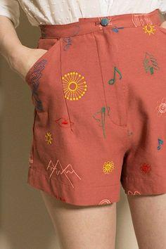 Beautiful pattern, cute shorts - Samantha Pleet - Do Re Mi Rouge Minuet Shorts Mode Outfits, Casual Outfits, Fashion Outfits, Womens Fashion, 70s Fashion, High Fashion, Winter Fashion, Fashion Tips, Mode Style