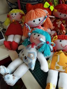 Simple Fabric Crafts You Can Make From Scraps - Diy Crafts Doll Clothes Patterns, Doll Patterns, Fabric Dolls, Paper Dolls, Rag Dolls, Doll Crafts, Sewing Crafts, Happy Birthday Doll, Baby's First Doll