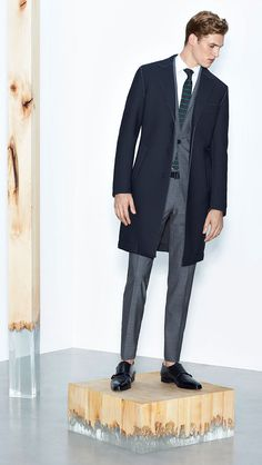 Shop designer clothes and accessories at Hugo Boss. Find the latest designer suits, clothing & accessories for men and women at the official Hugo Boss online store. Hugo Boss Suit, Suit And Tie, Modern Man, Spring Summer, Spring 2016, Summer 2016, Black Shoes, Mens Fashion, Fashion Suits